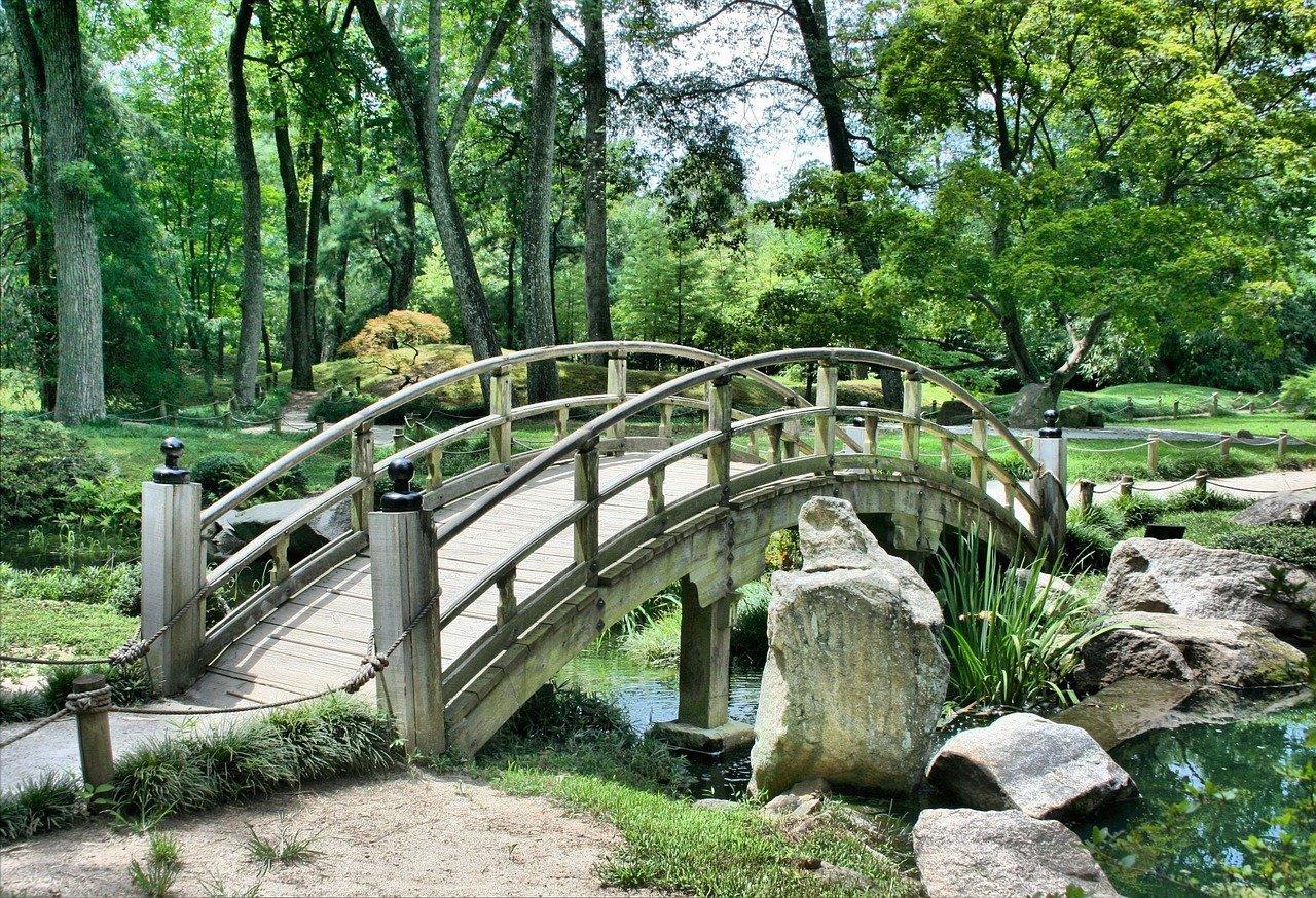 Garten Brücke by JamesDeMers Pixabay